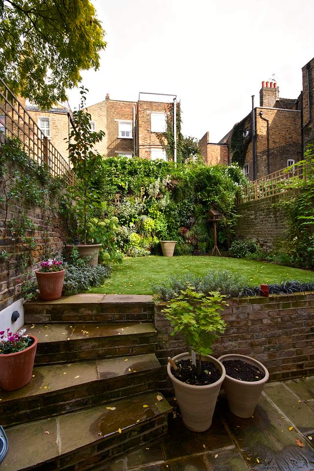 Gardens constructed by high end builders and restoration specialists in Chelsea and Fulham